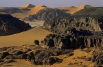 Rocky-and-sandy-landscapes-in-Tadrart-desert,-Algeria