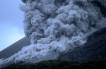 Pyroclastic-flow-during-2006-eruption-of-Merapi