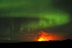 Northern-light-and-Eyjafjöll-eruption,-Iceland
