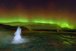Northern-light-above-Geyser-Strokkur,Iceland