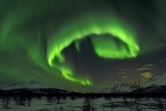 Intense-aurora-in-the-sky-of-Tromsø,-Norway