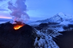 Explosion-and-lava-fountains-of-Tolbachik-volcano