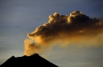 Manam-volcano-and-plume
