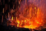 Explosion-and-shreds-of-lava-of-the-Yasur-volcano